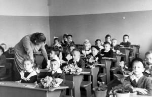 1 сентября 1965 г Учитель Буркова Зоя Ив.