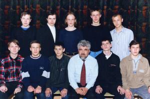 Победители и призёры городской олимпаиды по физике и астрономии 1999-2000 уч.год с учителем физики Б.П.Шокиным