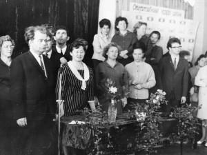 Праздник Последнего звонка 1967 года. Кузнецов ВМ крайний слева