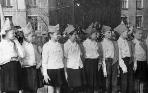 Торжественная линейка, прием в пионеры, 1969 г